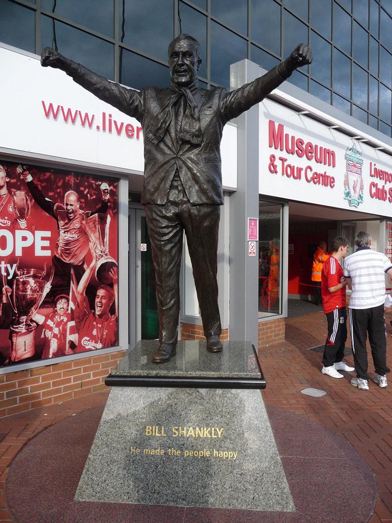 Een standbeeld van Bill Shankly