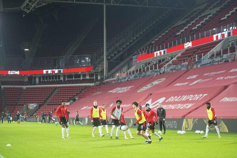 Voetbal en de avondklok