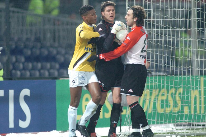 Sneeuwballengevecht Feyenoord - NAC